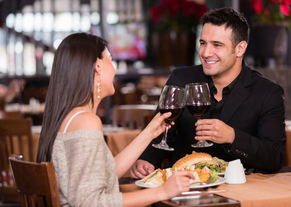 Learn how to follow a vegetarian diet while eating out at your favorite restaurants