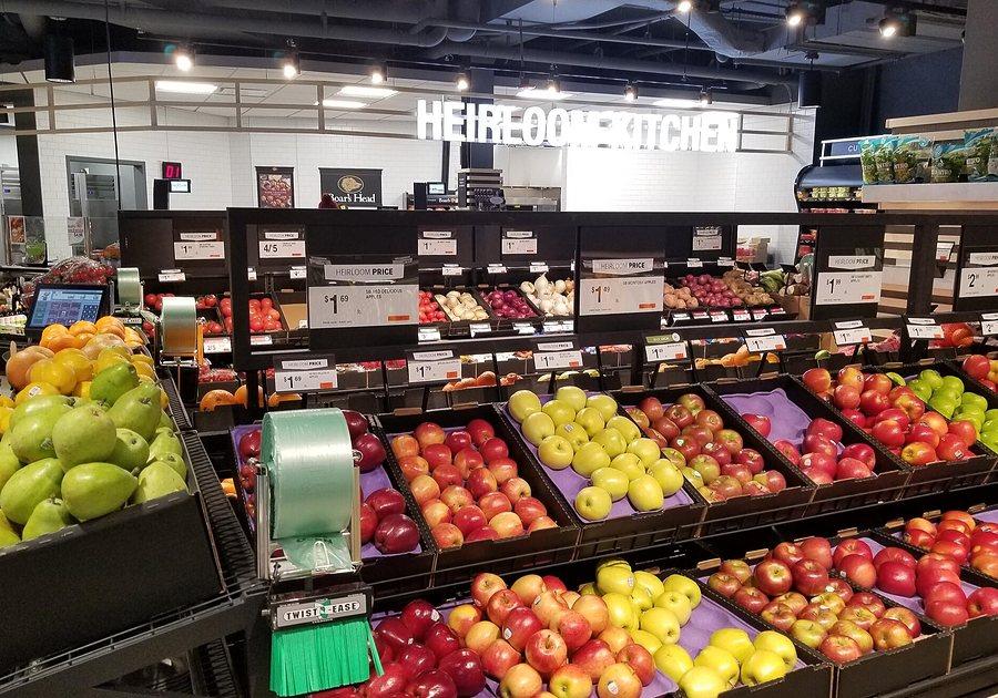 Giant-Heirloom-Market-Produce