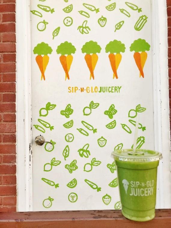 Sip-N-Glo serves healthy snacks in Philadelphia
