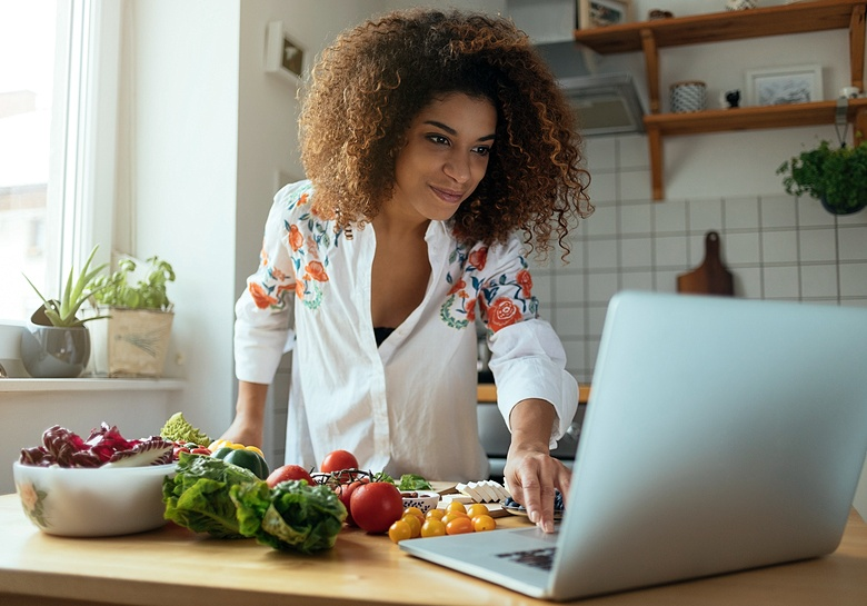 woman food prepping