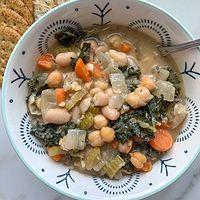 Vegan White Bean and Kale Soup